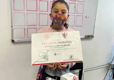 Entrega Gobierno zamorano  premios a niños escritores
