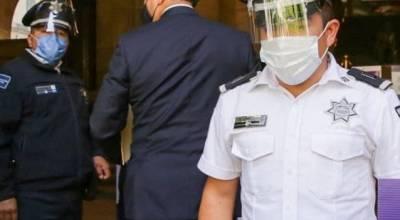 Acude Silvano Aureoles a Suprema Corte, no es recibido, entrega documento