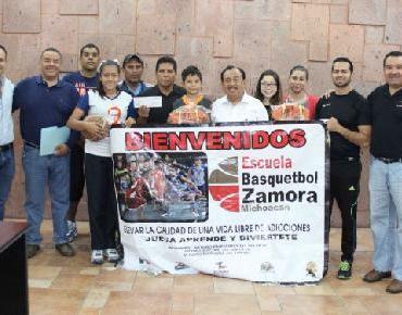 Niños basquetbolistas representarán a Zamora, son apoyados por Gobierno Municipal
