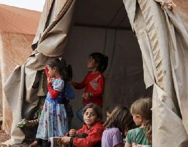 Miles de personas arriesgan su vida para huir del último reducto de ISIS en Siria