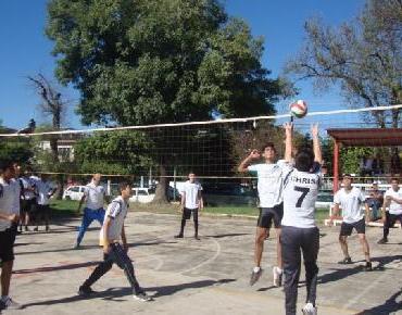 Invitan a niños y jóvenes Jaconenses a practicar voleibol