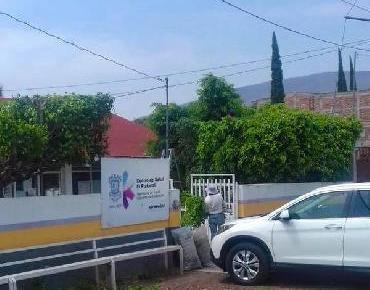 Jardineros laboran en Centros de Salud de cabecera y tenencia El Platanal.