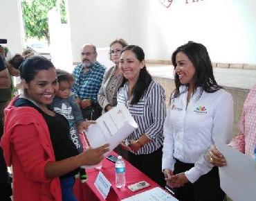 Mujeres emprendedoras reciben créditos de Sí Financia en Zamora