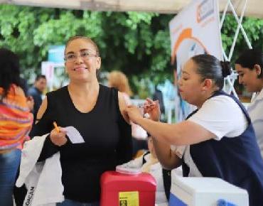 Llegan 68 mil dosis de vacunas a la Secretaría de Salud de Michoacán