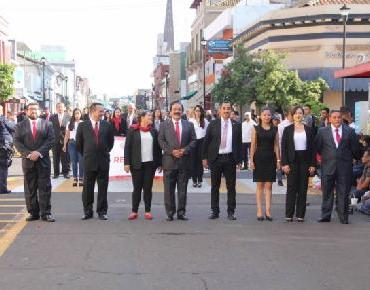 Llevan a cabo desfile Cívico-Militar del 16 de Septiembre en Zamora