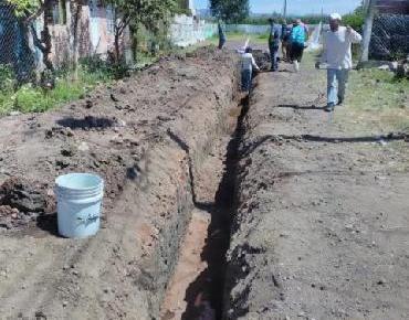 Realizan obra de drenaje en comunidad de Romero de Guzmán