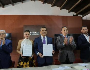 Signa Gobernador convenio con la Congregación Mariana Trinitaria