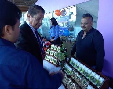 En Zamora ofrece Fomento Económico apoyo en Expo Emprendedores