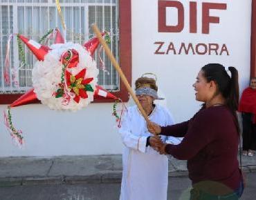 Pepara DIF Zamora posadas en CEDECOS