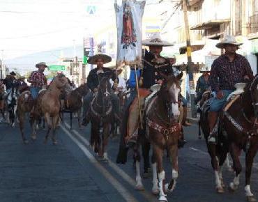 Desborda fervor guadalupano calles de Zamora