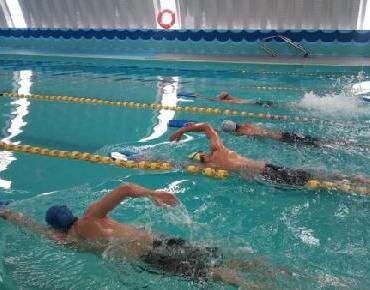 Anuncian curso intensivo de natación en Zamora
