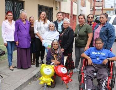 Celebra 112 años doña Perpetua Otero