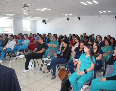 Capacitan a Universitarios en Normatividad del Expediente clínico