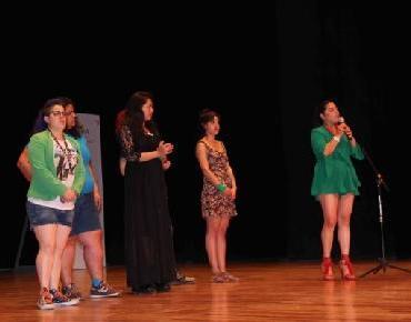 Promueven feminismo por medio de la comedia en Zamora