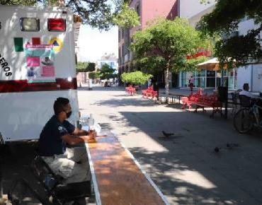 Colocan puntos sanitarios en la ciudad y se entrega gel antibacterial