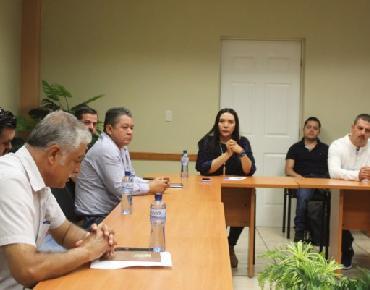 Solicita Alcaldesa Adriana extremar medidas de higiene a transportistas