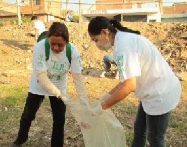 Ponemos la muestra y damos un paso más, limpiando las áreas verdes: Marcedalia Reyes