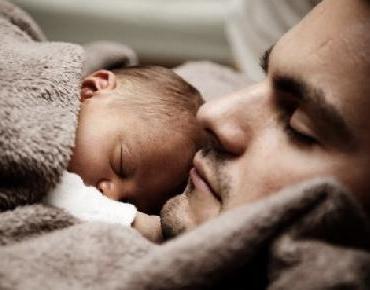 Proponen reformar la Ley Federal del Trabajo para ampliar la licencia de paternidad