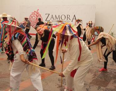 Danzan los Viejitos en Zamora