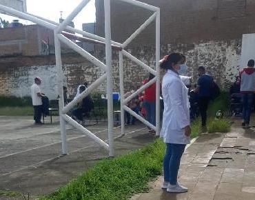 Invitan a vacunarse a jóvenes de tenencias de Morelia