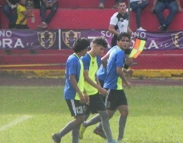 Soberano Zamora FC se impone 1 - 0 al Atlético Chavinda