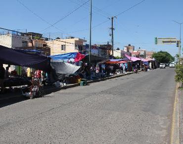 Reorganizan la vialidad en mercado de El Valle