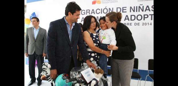 En Puebla integran a 40 menores a familias adoptivas en 2014