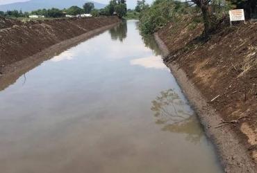 Adelante los trabajos de limpieza de drenes y canales