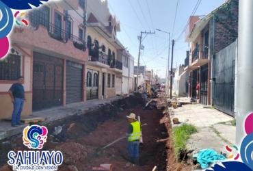 En Sahuayo pavimentan calle independencia